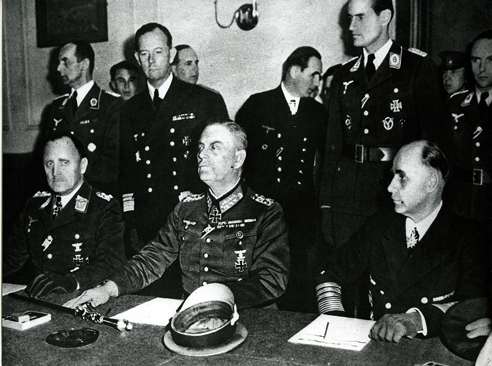 Chief of the OKW, Wilhelm Keitel, General Stumpff, and Admiral von Friedeburg at the signing of the declaration of surrender in Berlin-Karlshorst on 8 May 1945 © DHM