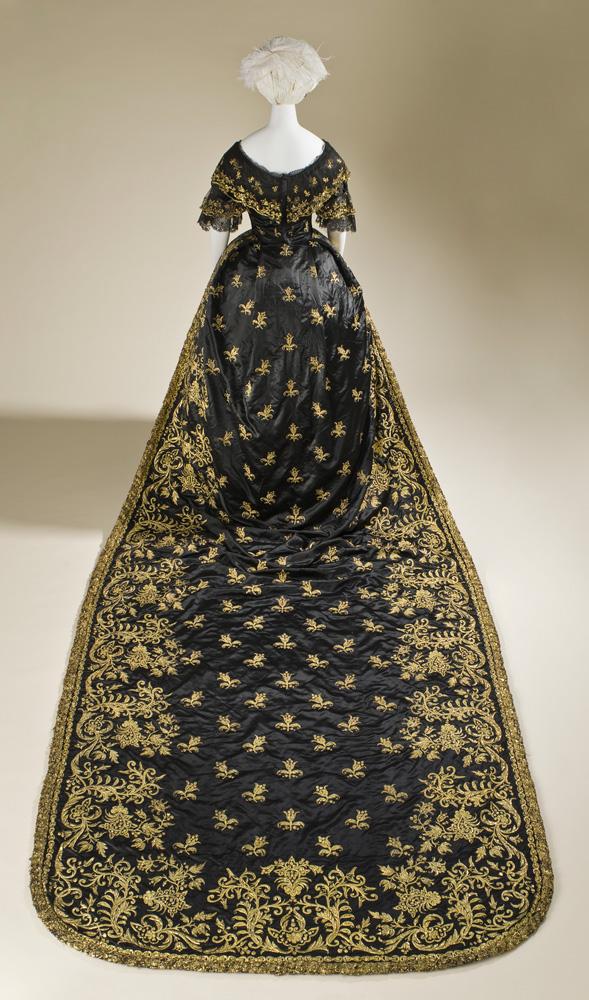deutsches historisches museum berlin fashioning fashion
