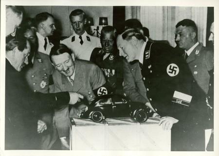 http://www.dhm.de/archiv/ausstellungen/hitler-und-die-deutschen/en/pics/0225_450.jpg