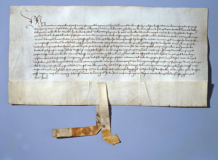 Fief letter by Ruprecht Bishop of Strasbourg and Landgrave of Alsace for the brothers Alheim and Cune Eckebrecht of Dürckheim as well as Peter Hertweck, Hans and Ludwig Eckebrecht of Dürckkheim, April 6th, 1451. (Inv.Nr. Do 78/347 I)