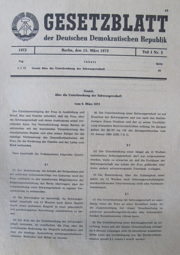 Law journal from March 15, 1972 about law on terminations, GDR © DHM