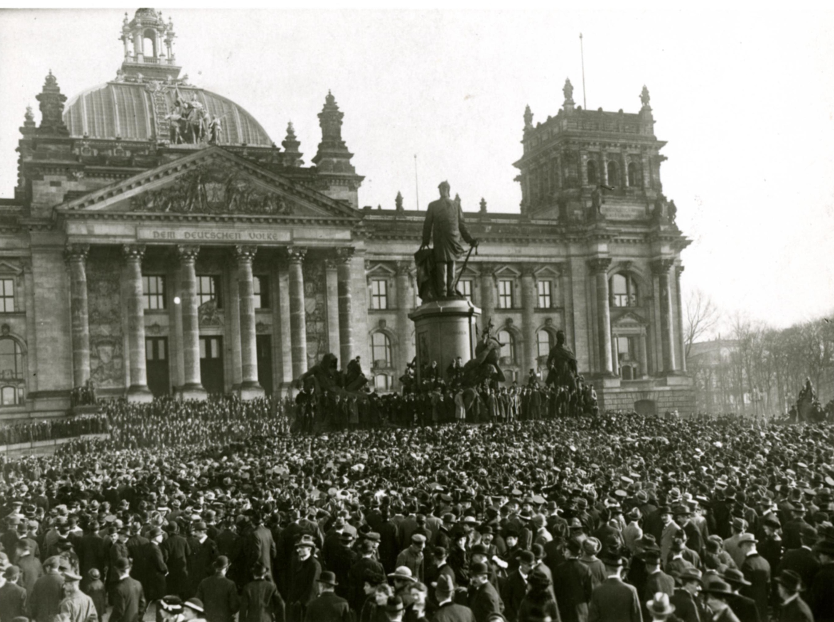 the ways weimar republic dealt with the problems it faced during the 1918 1923 Consequently faced with insoluble economic problems many people mckenzie p r j,weimar germany 1918 the weimar republic, p78 [37] weitz, weimar germany.