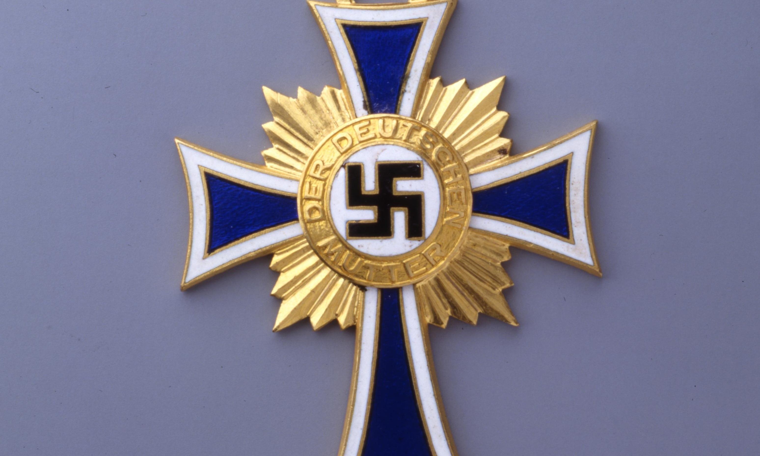 LeMO Kapitel - NS-Regime - Innenpolitik - Mutterkreuz