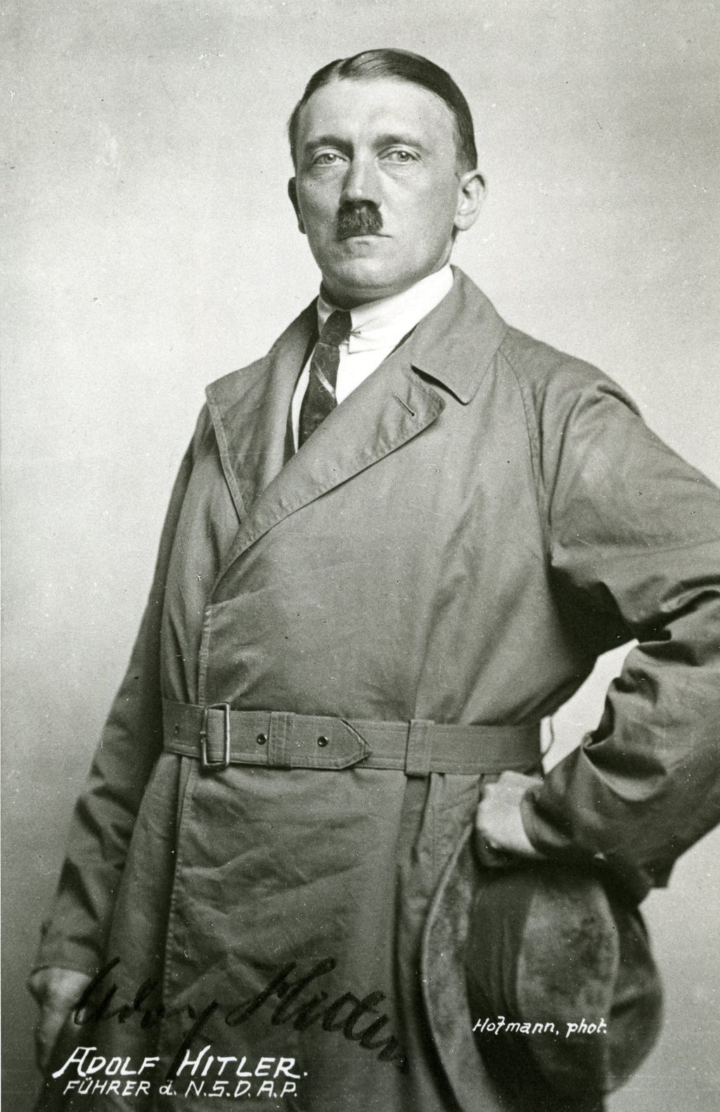 Exponat: Photo: Hitler, Adolf, 1923