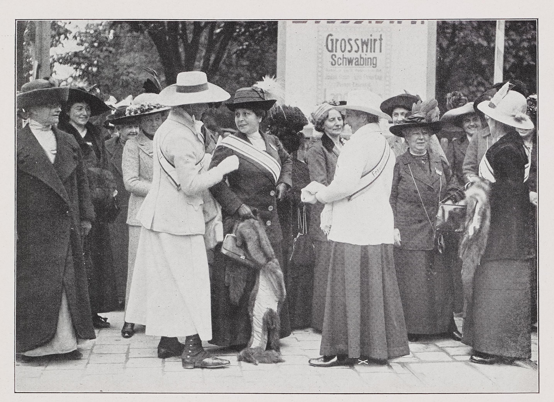LeMO Bestand - Objekt - Frauenstimmrechtskongress, 1912
