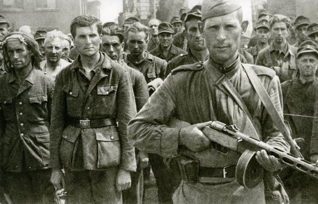 LeMO Kapitel - Der Zweite Weltkrieg - Kriegsverlauf - Kriegsgefangenschaft