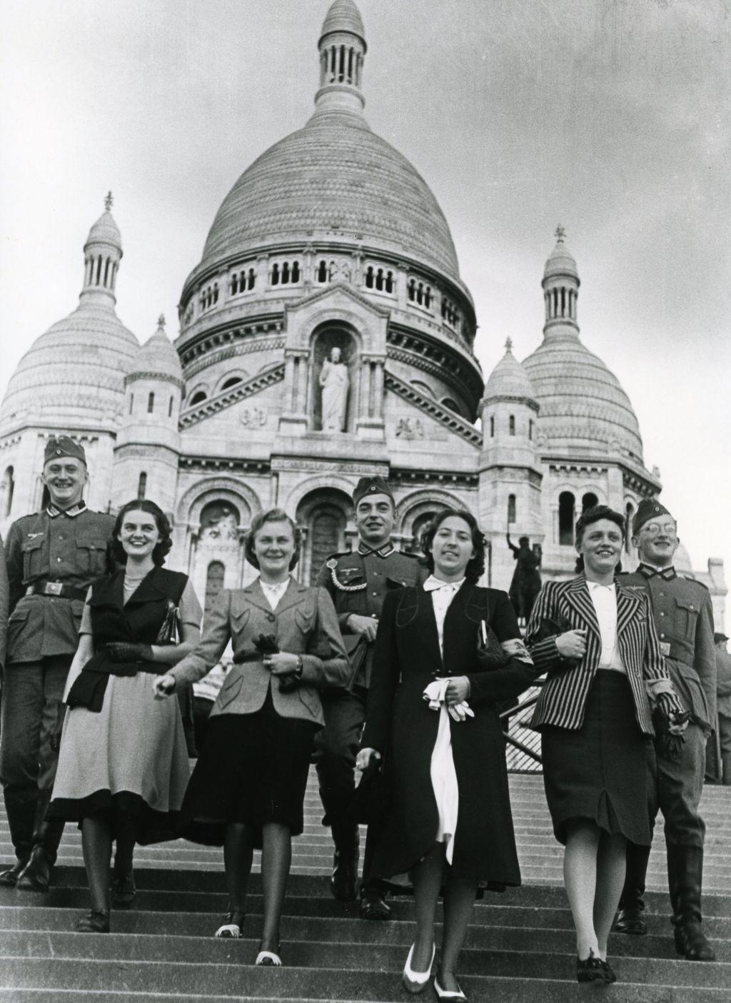 Lemo bestand objekt deutsche soldaten in paris 1940 - L eclat de verre paris ...
