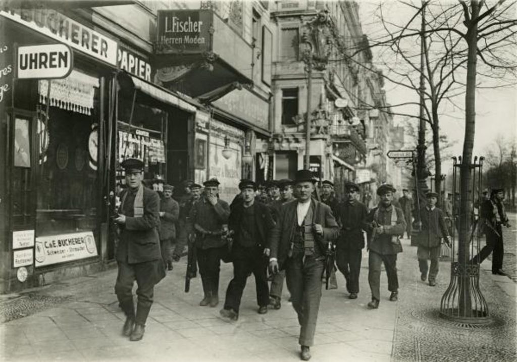 Exponat: Photo: Revolution in Berlin, 1918