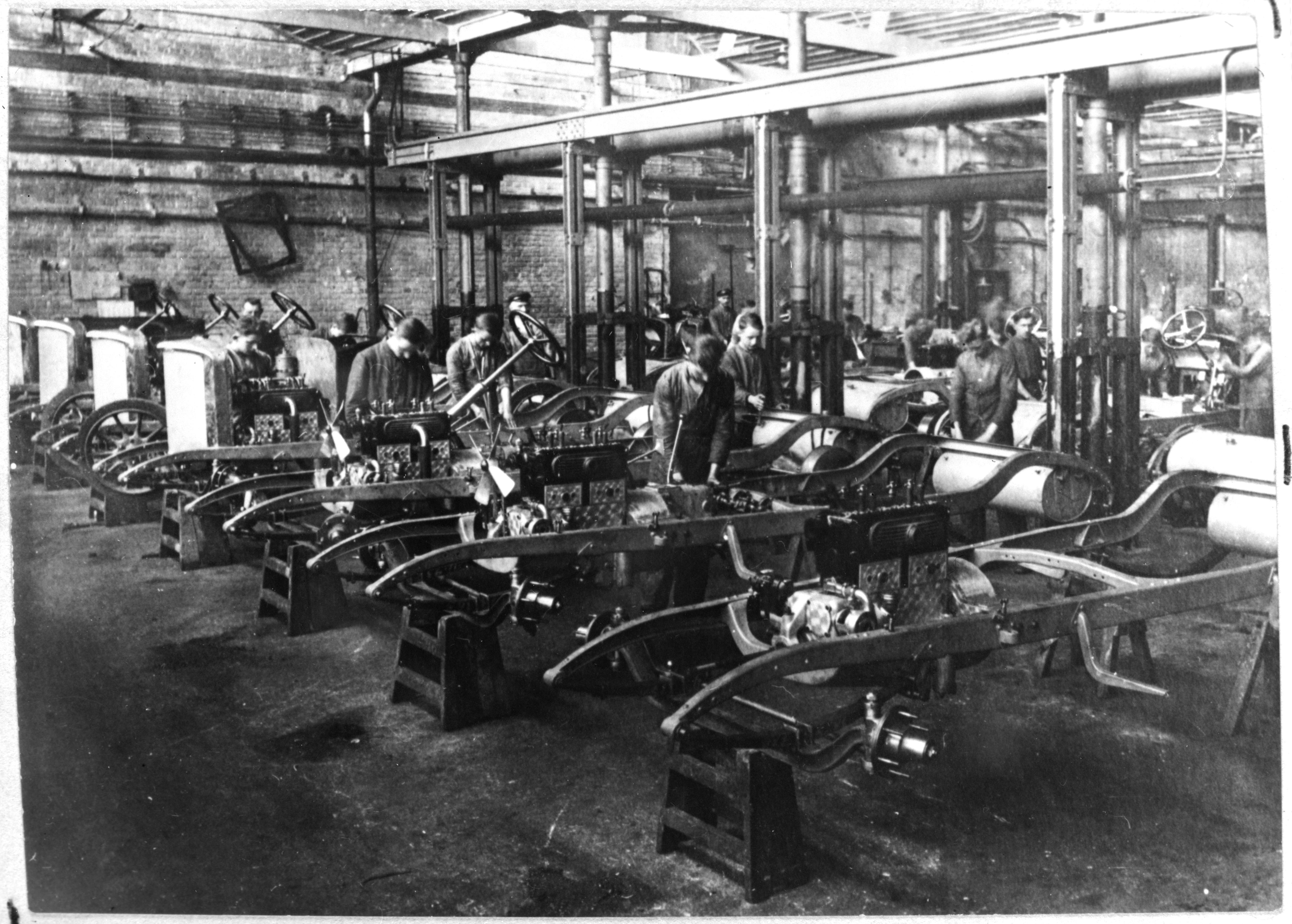 automobilmontage bei der firma opel in r sselsheim 1928. Black Bedroom Furniture Sets. Home Design Ideas