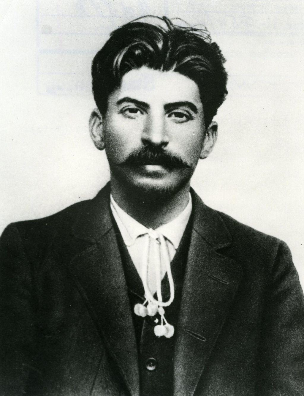Young Joseph Stalin Handsome Joseph Stalin Young Ha...