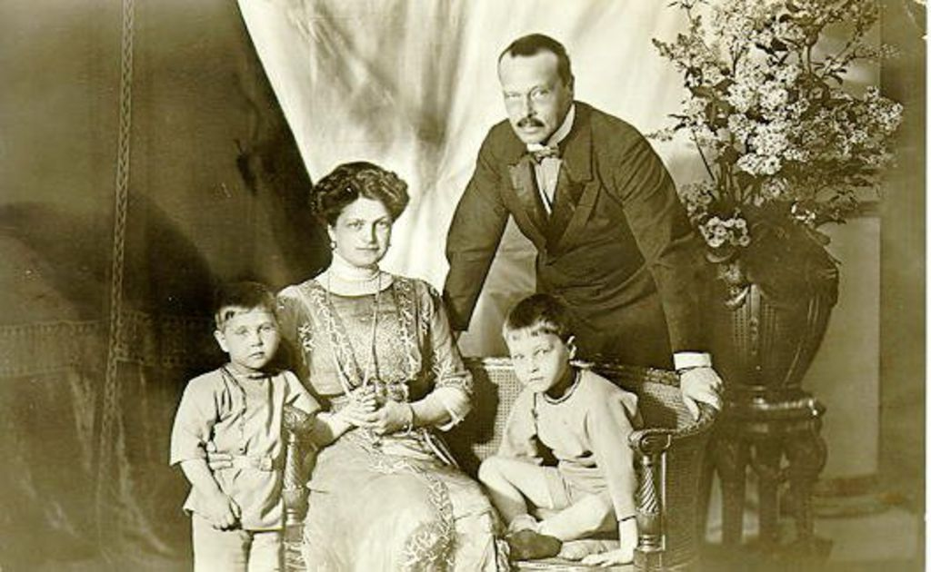 Ernst ludwig von hessen mit familie 1912 for Hellweg weihnachtsbaum