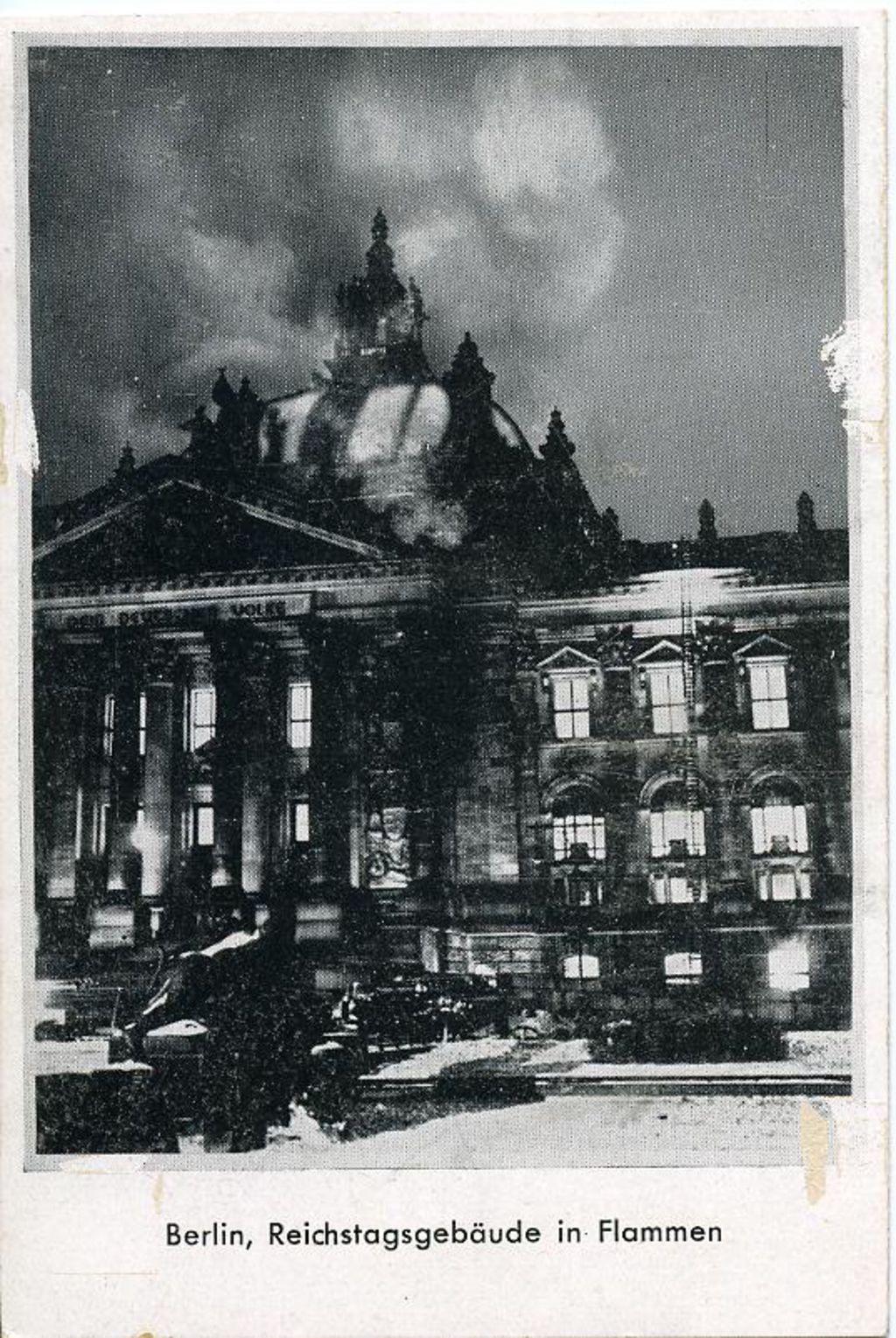 """LeMO Bestand - Objekt - """"Reichstagsgebäude in Flammen"""