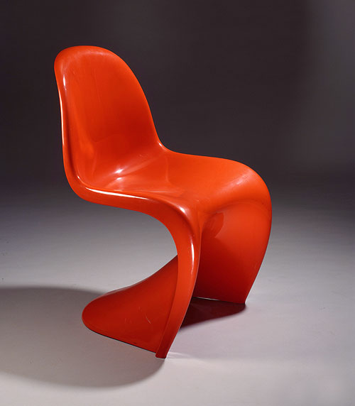 Deutsches historisches museum panton stuhl for Panton stuhl replik